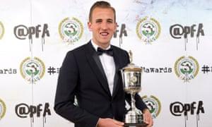 IMAGE STRICTLY EMBARGOED FOR ALL USAGES UNTIL 00.01 ON MONDAY APRIL 27, 2015, OR UNTIL AN OFFICIAL WINNERS ANNOUNCEMENT IS MADE VIA THE @PFA TWITTER ACCOUNT.Winner of the PFA's Young Player of the Year, Harry Kane during the PFA Awards at the Grosvenor House Hotel, London. PRESS ASSOCIATION Photo. Picture date: Sunday April 26, 2015. See PA story SOCCER PFA Young. Photo credit should read: Barrington Coombs/PA Wire