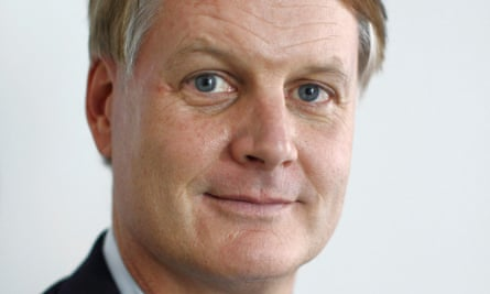 Ebay chief executive John Donahoe says his company is a strong competitor to Google in online shopping.