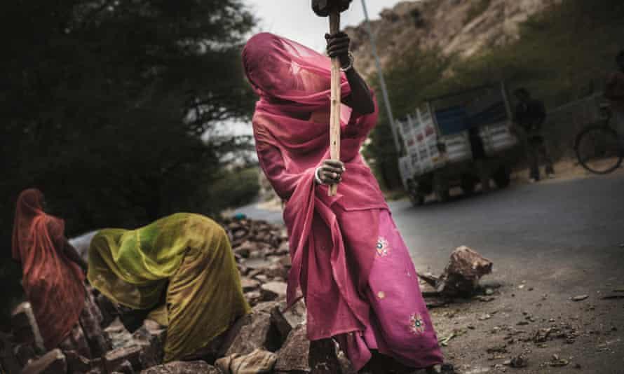 Mason Women in a village near Udaipur, Rajasthan