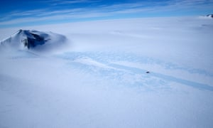 The iStar team had to brave the frozen wastes of the Pine Island glacier for three months at a time.