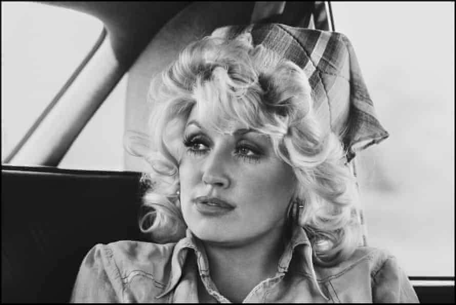 Dolly Parton, 1977.
