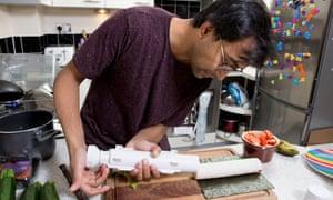 Rhik Samadder makes sushi with the Sushezi