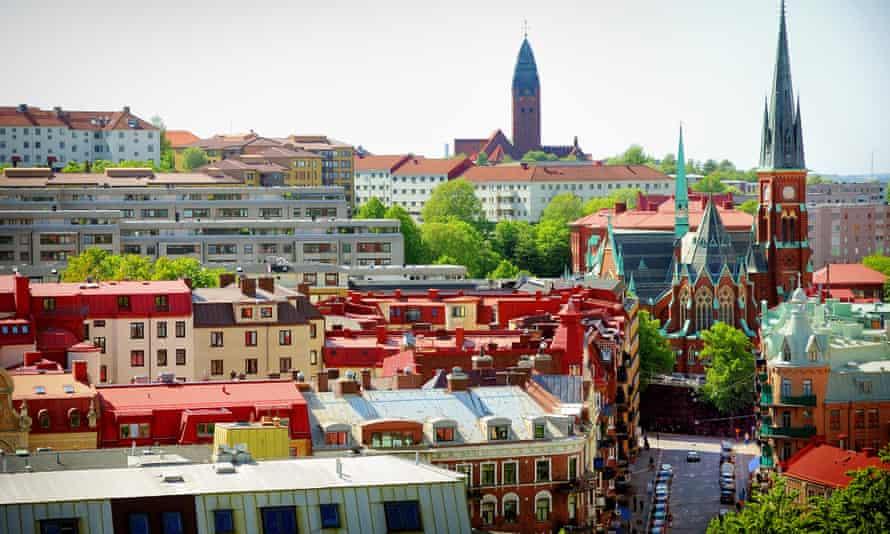 View over the rooftops in Gothenburg's Linnéstaden neighbourhood.