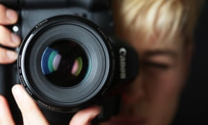 I want this photography job but can't afford to live on the