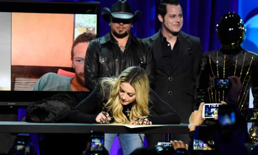 Madonna signs up to Tidal.