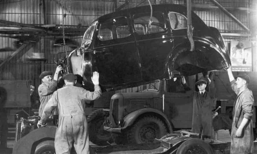 An Austin 10 being assembled at Longbridge in 1945