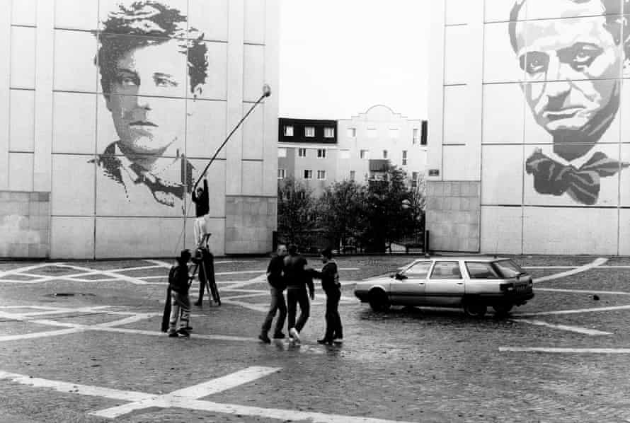 Shooting the movie La Haine, with the giant frescoes of Rimbaud and Baudelaire that decorate Chanteloup-les-Vignes.