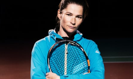 Jemima Kiss with her Babolat smart racket.