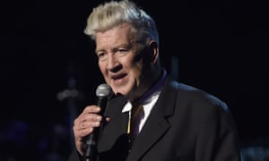 David Lynch has left the new series of Twin Peaks due to budget issues.