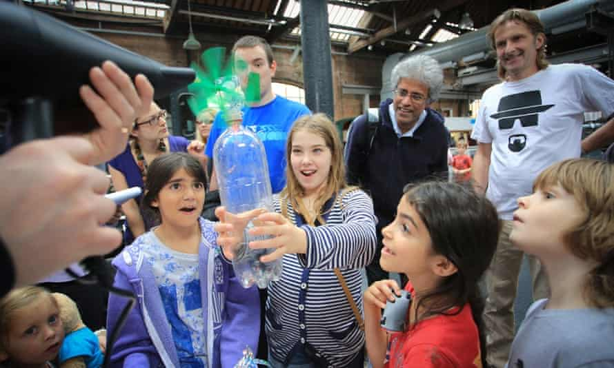 An experiment at the Museum of Science and Industry for Manchester Science Festival
