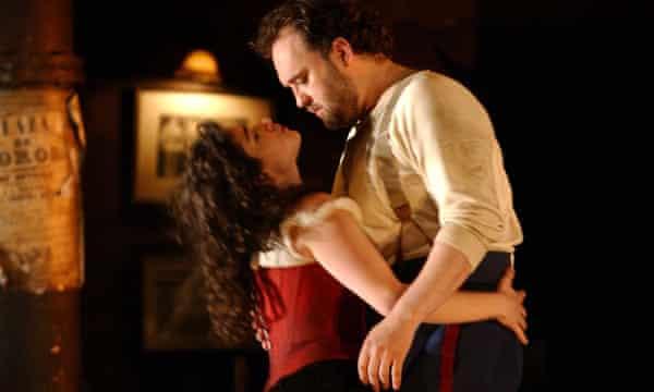 Rinat Shaham as Carmen and Paul Charles Clarke as Don José at Glyndebourne, 2004.