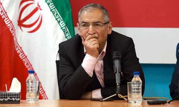 Sadegh Zibakalam, an outspoken professor of Tehran University, during a debate at the semi-official agency Young Journalist Club earlier this week.