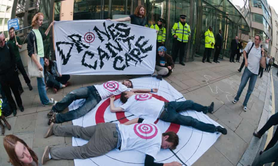 A protest takes place outside the London offices of General Atomics against drones and killer robots.