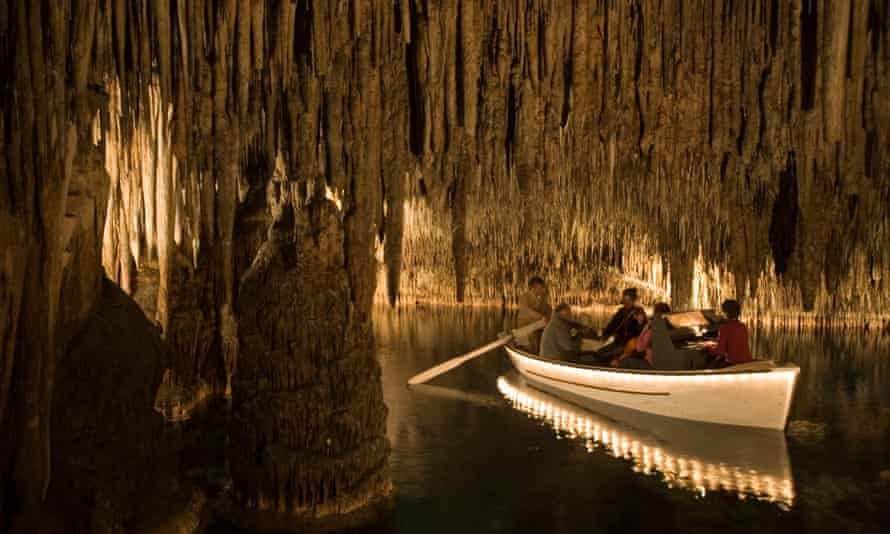 Cuevas Del Drach