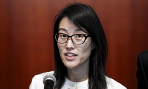 Reddit CEO Ellen Pao has proposed a ban on salary negotiations during the recruitment process.