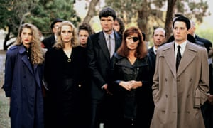 Madchen Amick (far left) and Wendy Robie (in the eye patch), were among the actors who participated in the video
