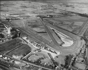 1955 Aerial view of the Aintree racecourse