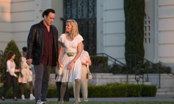 John Cusack and Elizabeth Banks in Love and Mercy.