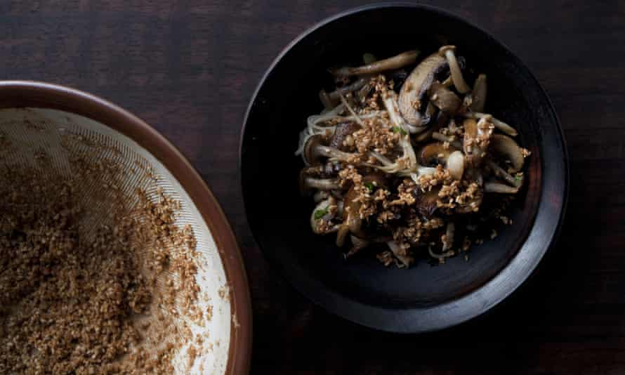 Mushrooms with sesame and ginger.