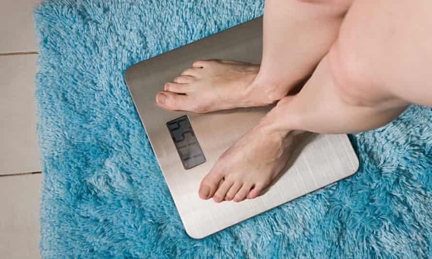 It has been wrongly claimed that obese people have a higher risk of dementia, say the authors from the London School of Hygiene and Tropical Medicine.