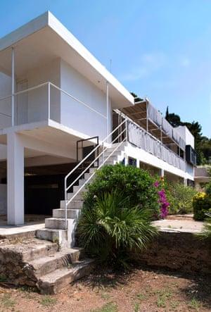 An exterior of Villa E-1027.