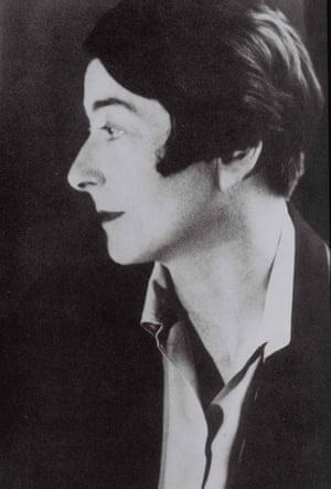 A portrait of Eileen Gray, taken in Paris, 1926.