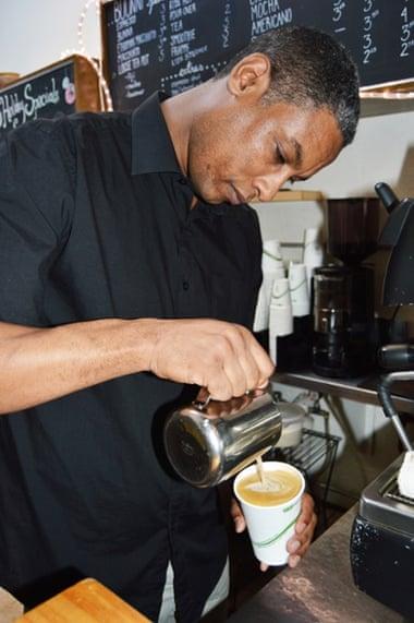 Elias Gurmu in Cafe Buunni