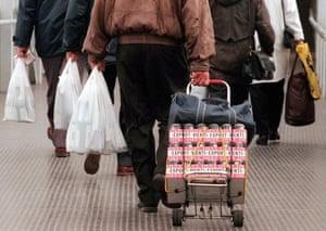 Finnish shoppers return to Helsinki from Tallinn.