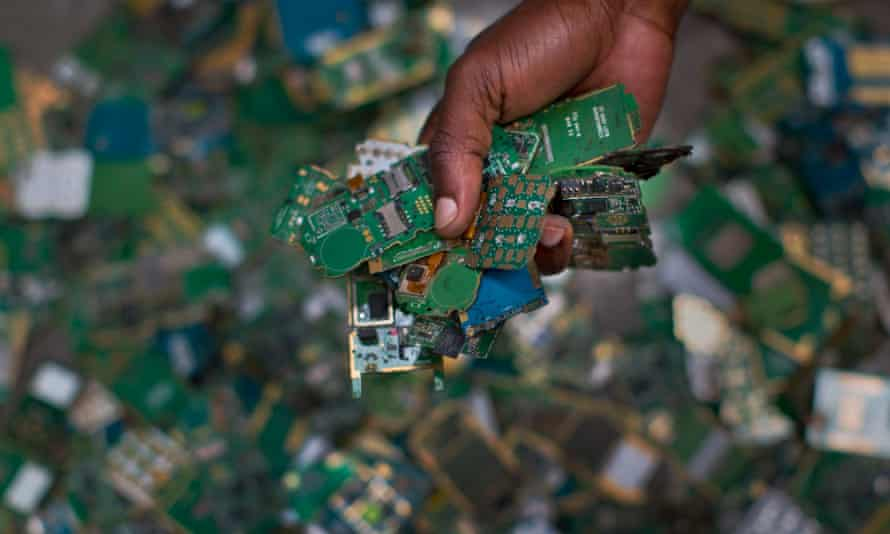 Mobile phone circuit boards are among the growing electronic waste that are being illegally dumped, says the UN Environment Programme.