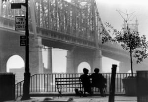 <strong>Manhattan: Sutton Place – Queensboro Bridge</strong> <br>With just a bench and a bridge, Woody Allen managed to create one of the most romantic shots in film history. But don't go to Sutton Place hoping to recreate the scene – the bench, most likely a movie prop, doesn't actually exist
