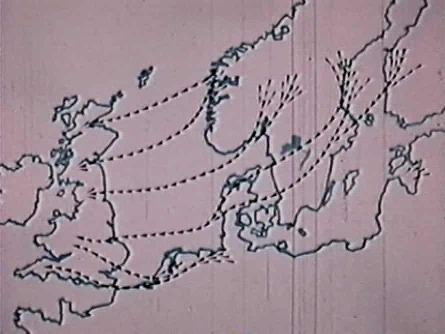 David Lack's wartime radar experiments, during which 'ghosts' of seabirds were picked up.