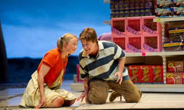 Alice Coote as Hansel and Lydia Teuscher as Gretel at Glyndebourne.