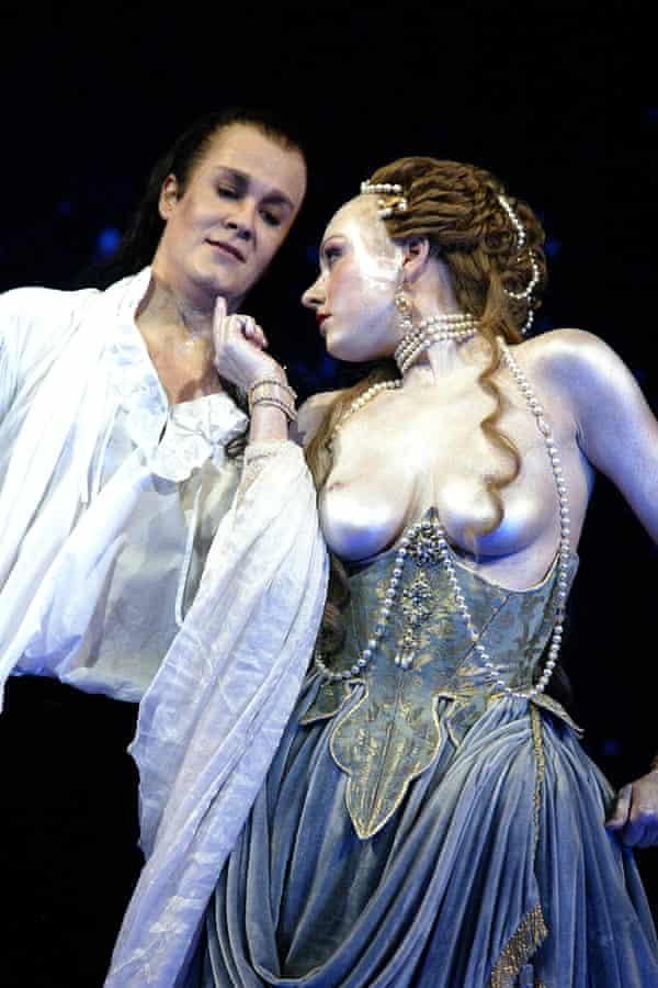 Alice Coote as Orlando and Suzanna McNaughton as Venus in Orlando at the Royal Opera House, 2003.