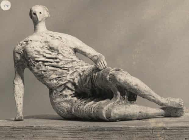 Draped Reclining Woman (plaster maquette for Unesco commission 1956-57), photograph by Henry Moore.