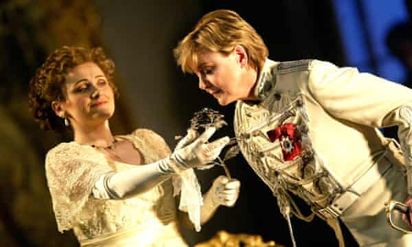 Susan Gritton as Sophie and Diana Montague as Octavian in ENO's 2003 production of Der Rosenkavalier.