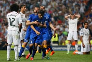 Alvaro Morata's Juventus team-mates do his celebrating for him.