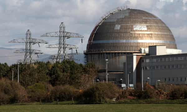 A view of the Sellafield nuclear reprocessing site near Seascale in Cumbria in this April 12, 2011 file photo. British police said on Tuesday they had arrested five men close to the Sellafield nuclear reprocessing plant in northwest England under counter-terrorism laws.