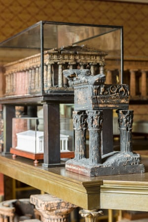 The top tier of the Model Stand with the cork model Temple of Divus Vespasianus (the so-called Temple of Jupiter Tonans), Rome in the foreground.