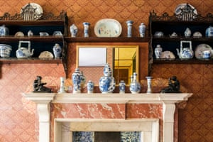 The elaborate arrangement of china above the mantelpiece in Soane's Bath Room.