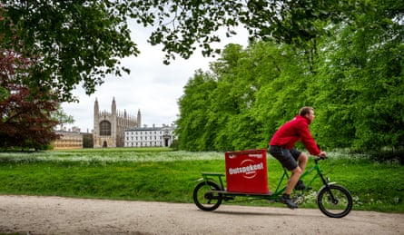 An Outspoken delivery rider in Cambridge.