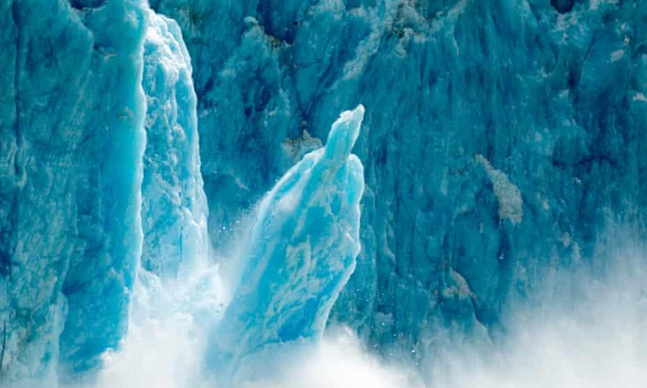 iceberg breaks