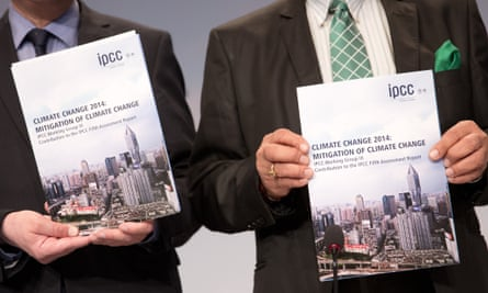 Two members of the Working Group 3 of the Intergovernmental Panel on Climate Change (IPCC) present the new worls climate report in Berlin