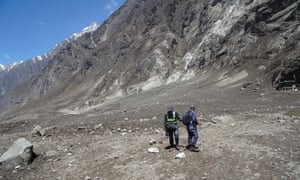Soldiers search for bodies after a massive avalanche overwhelmed Langtang.