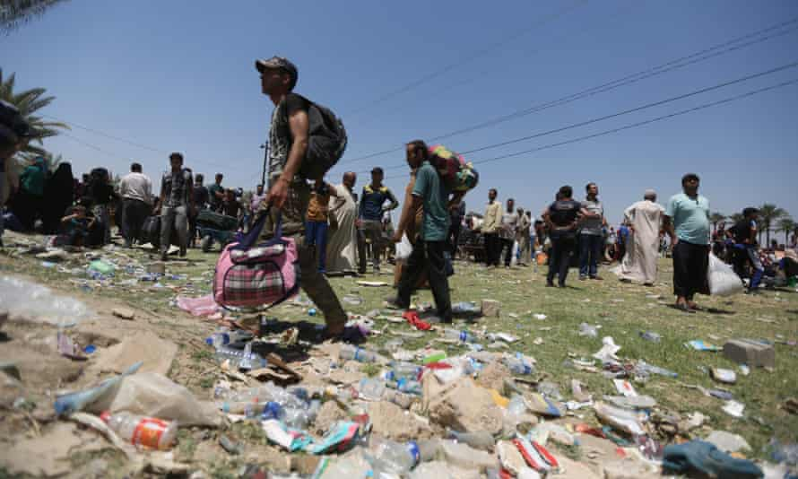 Displaced Iraqis who were forced to flee their hometowns ahead of gains made by Islamic State militants in Ramadi.