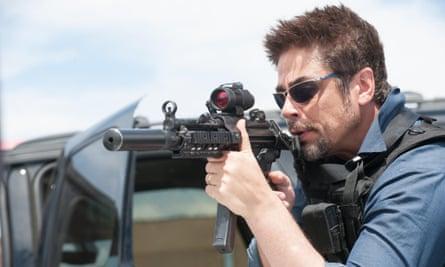 In sight of the action ... Benicio del Toro in Sicario