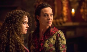 Sarah Greene as Hecate and Helen McCrory as Evelyn Poole in Penny Dreadful