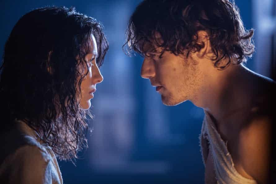 Claire Randall (Caitriona Balfe) with Jamie Fraser (Sam Heugan)