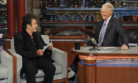 Al Pacino makes a surprise appearance to help Letterman read the top 10 list.