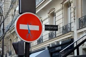 Les ciseaux, Paris