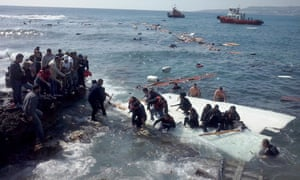 BESTPIX At least 3 dead after migrant boat runs aground off Rhodes